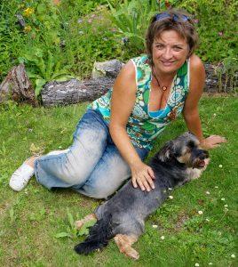 Die Tierheilpraxis: Die Heilpraktikerin Tirza Kirchner engagiert sich für das Wohl Ihres Tieres.